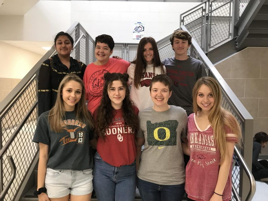 Top+Row%3A+Staff+Writers+Amber+Wahab%2C+Juliyanna+McCracken%2C+Makenzy+Bozosi%2C+Evan+Starr%0ABottom+Row%3A+Assistant+Editor+Taylor+West%2C+Managing+Editor+Abby+Tow%2C+Editor-in-Chief+Meleah+York%2C+Managing+Editor+Cindy+Ciotta%0ANot+pictured%3A+Staff+Writer+Maggie+Coleman+%28who+was+a+softball+playoff+game%29